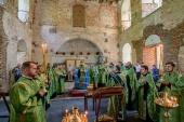 Спустя век после закрытия в восстанавливаемом соборе Свято-Духова монастыря Вологды состоялось архиерейское богослужение