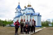 «Серебряные» волонтеры и курсанты Патриотического центра потрудились на подворье Соловецкого монастыря в Радово под Архангельском