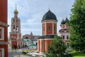 Высоко-Петровский монастырь организует экспедиции для студенческой молодежи с целью изучения памятников русской мемориальной культуры