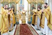 В Неделю 2-ю по Пятидесятнице Патриарший экзарх всея Беларуси совершил Литургию в Свято-Духовом кафедральном соборе Минска