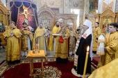 В годовщину начала Великой Отечественной войны глава Казахстанского митрополичьего округа совершил Литургию и поминовение погибших в Софийском соборе Алма-Аты