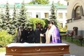 Ректор СПбДА совершил отпевание бывшей сотрудницы Ленинградских духовных школ Н.Ф. Устименко