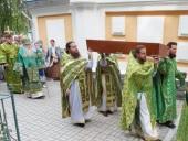 В 30-ю годовщину возвращения Церкви мощей преподобного Елисея Сумского глава Карельской митрополии совершил Литургию в Петрозаводске