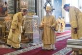 В праздник Собора Санкт-Петербургских святых глава Санкт-Петербургской митрополии совершил Божественную литургию в Казанском соборе Северной столицы