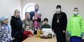 На Камчатке Церковь доставляет гуманитарную помощь по морю и воздуху