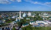 На ряде телеканалов и сайтов проходит прямая трансляция богослужений Серафимовских торжеств