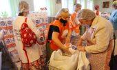Сотрудники медико-социального отдела Нижегородской епархии организовали масштабную раздачу продуктовых наборов