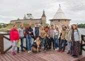 Высоко-Петровский монастырь и РПУ провели межвузовскую экспедицию по изучению мемориальной культуры Псковской области