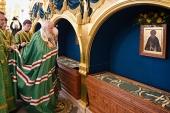 Святейший Патриарх Кирилл поклонился мощам преподобных Зосимы, Савватия и Германа Соловецких