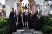 В годовщину террористической атаки в Нью-Йорке в московском храме святой Екатерины на Всполье прошло заупокойное богослужение