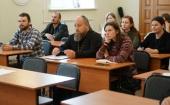 При поддержке Синодального отдела по делам молодежи в Омске проходит Школа православного молодежного актива «Вера и дело»