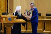 Митрополит Санкт-Петербургский Варсонофий присутствовал на церемонии вступления в должность губернатора Ленинградской области