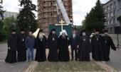 Митрополит Нижегородской Георгий освятил крест и купол воссоздаваемой на территории Нижегородского кремля колокольни