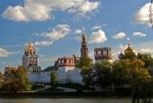 В праздник Рождества Пресвятой Богородицы Патриарший наместник Московской епархии совершил Литургию в Новодевичьем монастыре г. Москвы