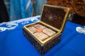 Православной Церкви Казахстана передана часть камня из дома Божией Матери в Лорето