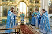 В праздник Казанской иконы Божией Матери Патриарший экзарх всея Беларуси совершил Литургию в Свято-Духовом кафедральном соборе города Минска