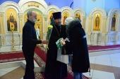 В Брянском кафедральном соборе многодетным и одиноким мамам вручили подарки и цветы по случаю Дня матери