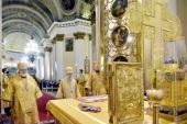 В день памяти святого Александра Невского глава Санкт-Петербургской митрополии совершил Литургию в Александро-Невской лавре