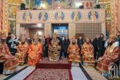 Блаженнейший митрополит Онуфрий совершил Литургию в Варваринском храме на территории Киевской областной больницы
