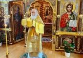 В Неделю 28-ю по Пятидесятнице Святейший Патриарх Кирилл совершил Литургию в Александро-Невском скиту