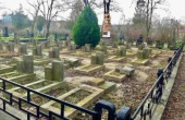 Херсонская епархия осудила акт вандализма на мемориальном городском кладбище