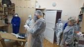Палаты и кабинеты Центральной городской клинической больницы Новгорода окропили крещенской водой