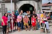 Помощь от Русской Церкви получают нуждающиеся жители филиппинского города Бакоор