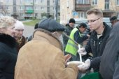 Отдел Нижнетагильской епархии по социальному служению возобновляет кормление бездомных