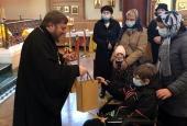Епископ Сурожский Матфей встретился с российскими детьми, находящимися на лечении в Лондоне