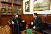 Председатель ОВЦС провел встречу с послом Доминиканской Республики в России