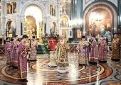 В канун Недели Крестопоклонной Святейший Патриарх Кирилл совершил всенощное бдение в Храме Христа Спасителя