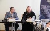 Председатель Патриаршей комиссии по вопросам семьи принял участие в круглом столе «Проблемы биоэтики и биоправа в современной России»