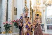 В Неделю 5-ю Великого поста Патриарший экзарх всея Беларуси совершил Литургию в Свято-Духовом кафедральном соборе Минска