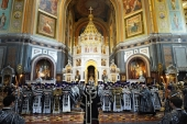 В Великий Понедельник митрополит Воскресенский Дионисий совершил Литургию в Храме Христа Спасителя