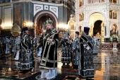 В Великий Вторник митрополит Воскресенский Дионисий совершил Литургию в Храме Христа Спасителя