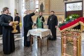 В Великую субботу глава Казахстанского митрополичьего округа совершил малое освящение Александро-Невского храма в Алма-Ате
