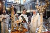 В Великую Субботу Святейший Патриарх Кирилл совершил Литургию в Храме Христа Спасителя