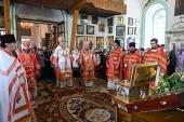 В день памяти святителя Николая Чудотворца митрополит Астанайский Александр совершил Литургию в Воскресенском кафедральном соборе г. Семипалатинска