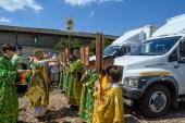 Псковская епархия передала в дар медикам Псковской области три мобильных комплекса для оказания медицинской помощи