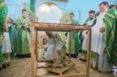 В епархиях Украинской Православной Церкви освящают и строят новые храмы