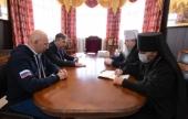 Глава Архангельской митрополии обсудил с замглавы ФАДН и заместителем губернатора области вопросы общественной жизни в регионе