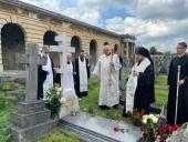 Епископ Сурожский Матфей совершил панихиду у могилы митрополита Антония (Блума)
