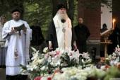 Председатель Синодального отдела по монастырям и монашеству совершил панихиду на могиле архимандрита Мефодия (Петрова) на 40-й день по его кончине