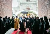 Святейший Патриарх Кирилл совершил освящение воссозданной колокольни Новодевичьего монастыря Санкт-Петербурга