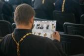 Красноярские священники смогут совершать церковные таинства в «красных зонах» инфекционных госпиталей