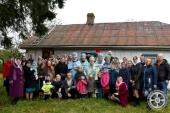 Архиерей посетил волынскую общину Украинской Православной Церкви, у которой накануне праздника Покрова Богородицы захватили храм