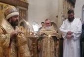 Митрополит Волоколамский Иларион совершил Литургию в храме Покрова Пресвятой Богородицы в Рубцове г. Москвы