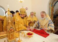 Предстоятель Русской Церкви совершил чин великого освящения Петропавловского храма в Сестрорецке и первую Божественную литургию в новоосвященном храме