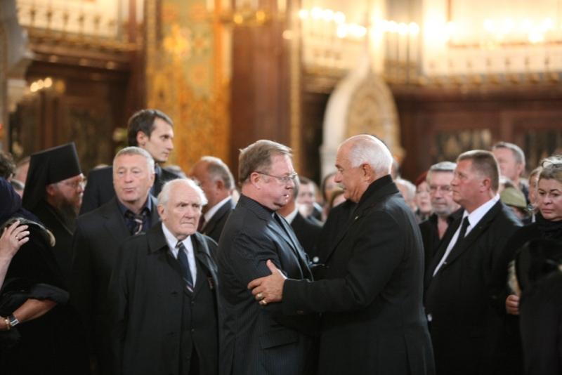 Отпевание и лития у гроба Сергея Михалкова