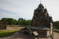 Святейший Патриарх Кирилл посетил Покровский храм в Русском этнографическом парке в Ленинградской области